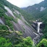 千尋の滝を望む
